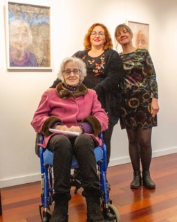 No Repro Fee: Cork County Council Host an exhibition 'Memory is Grey' in Library HQ by artist Gillian Cussen which explores memory loss. Anna O'Flynn from Bandon is pictured in front of her portrait alongside her daughter Ruth O'Flynn